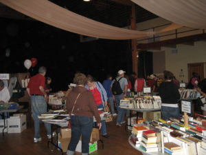 book-sale-crowd-2